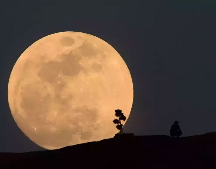 Super Moon in India and Sri Lankan again in March.  பனி நிலவு.